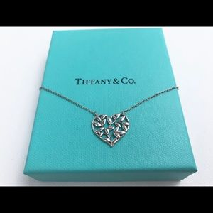 TIFFANY AND CO. Olive Leaf Heart Pendant